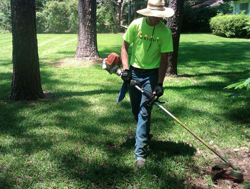 excellent lawn service in Paso Robles, Templeton, Atascadero and San Luis Obispo. We offer landscape and hardscape services for residential and commercial applications